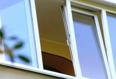 Практичность и удобство использования остекленных балконов
