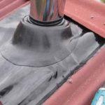 Каким материалом заделывают трубу на крыше