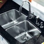 Чем почистить раковину из нержавейки: как отмыть от налета, как отчистить промышленную, чистящее средство от потемнения и черных пятен в мойке