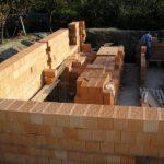 Толщина кирпичной стены (с утеплителем и без), оптимальная ширина и высота кладки